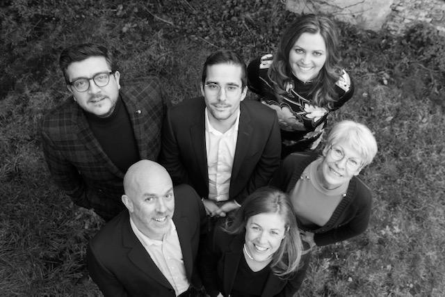 Foto van het team met (linksboven naar rechts onder): Tim, Mathias, Adelheid, Jeroen, Jasmin en Marleen